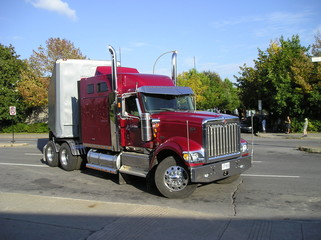 red kenworth truck