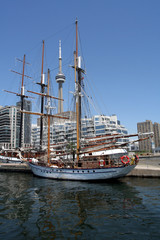 sailing ships in toronto harbour
