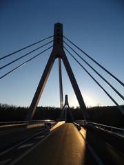 nouveau pont volonne contre jour