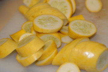 cut yellow squash
