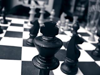 jeu d' échec avec gors plan sur le pion roi