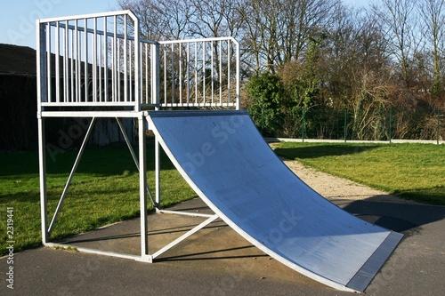 rampe de skate photo libre de droits sur la banque d 39 images image 2319441. Black Bedroom Furniture Sets. Home Design Ideas