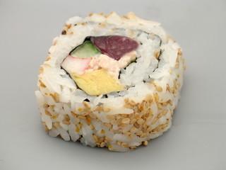 japanische sushi uramaki rolle