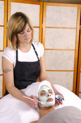 spa salon facial masque application