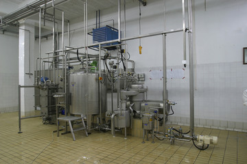 temperature controlled tanks and pipes in modern dairy