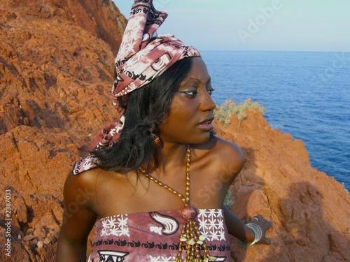 africaine en tenue pagne