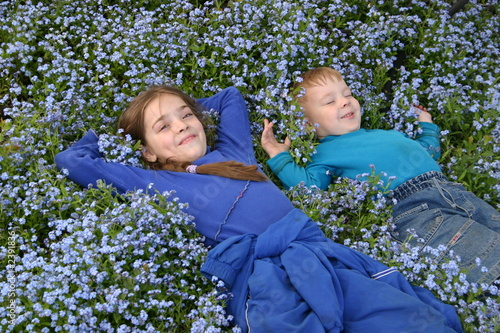 childern in blue