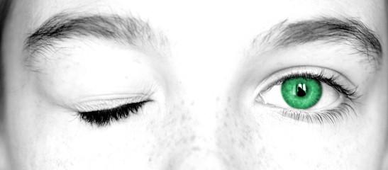 clin d'oeil vert