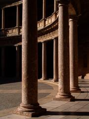 patio circular palacio carlos v - la  alhambra