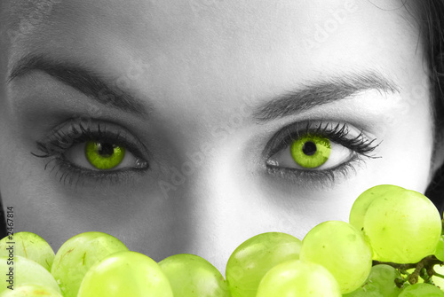 green eyes and grape
