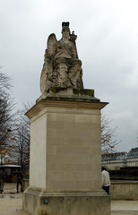 the statue in tuileries garden