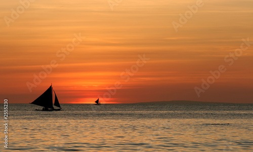 canvas print picture sailing off into the sunset