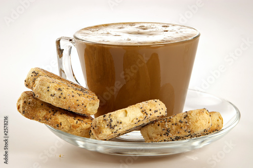 coffee with cream and cookies
