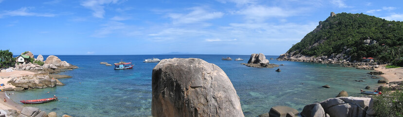 beach of thanote bay, koh tao island, thailande, panorama