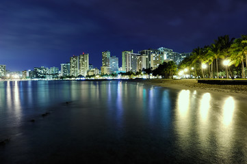 waikiki at night 1