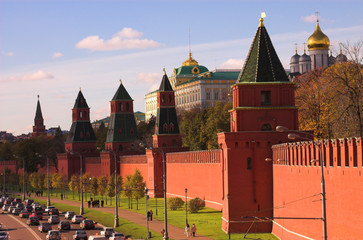 traffic near kremlin wall,