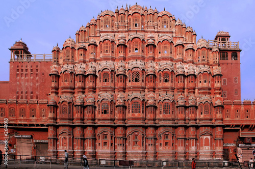 india, jaipur: hawa mahal, the palace of winds