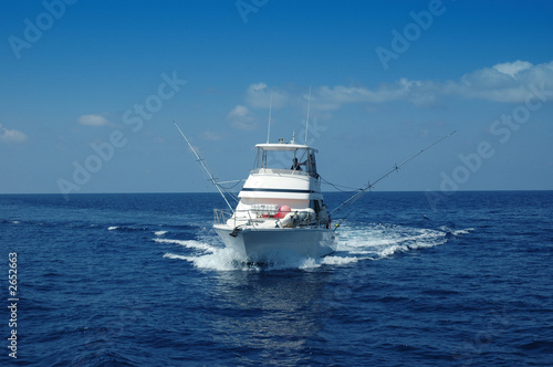 fishing boat - 2652663