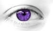 oeil de femme violet symbole de sensualité