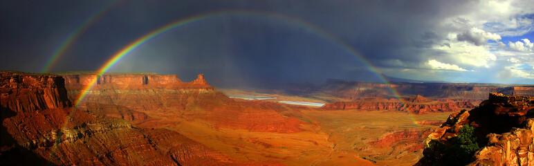 rainbows of canyonlands