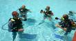 Leinwandbild Motiv scuba diving lessons