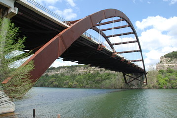 loop 360 bridge in austin