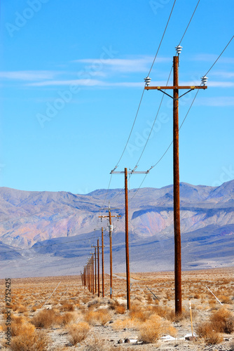 Tuinposter Canyon power lines death valley