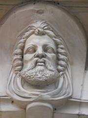 tête d'homme barbu (vertical)