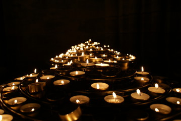 candele a notre dame