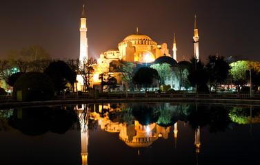 ayasofya at night