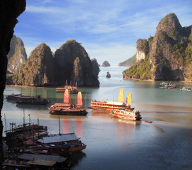 junks on halong bay