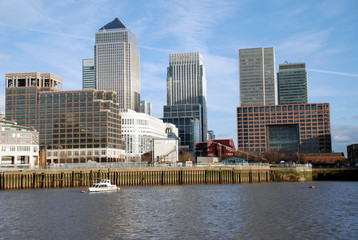 canary wharf and office buildings