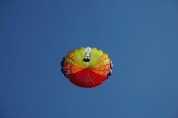 parachute 01