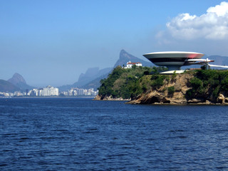 niterói contemporary art museum and corcovado