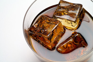 glass of cola drink with ice closeup (2)