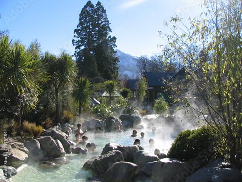 Leinwanddruck Bild hot spring, cold mountian
