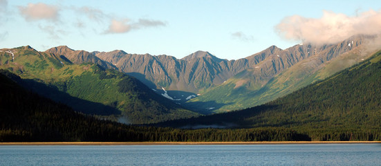 mountains near turnagain arm in alaska