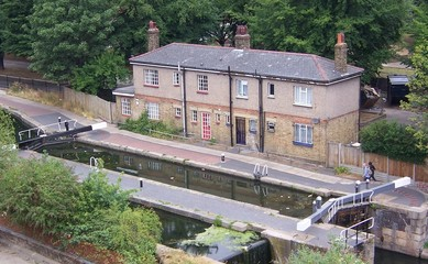regents canal lock keepers cottages