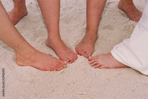 wedding beach toes