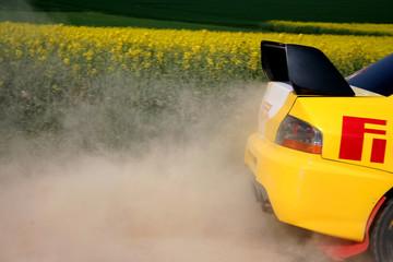 arrière de voiture de rallye