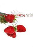 Fototapety strawberries in water