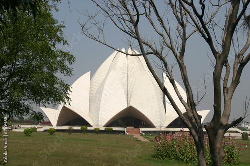 modern lotus temple delhi