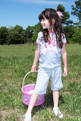 easter egg hunt / girl