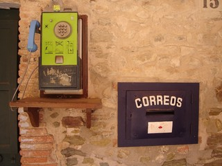 old telephone in monells