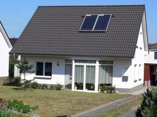 haus mit solarenergie
