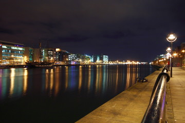 dublin's ifsc at night