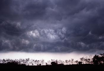 nuvole nere, tempesta2
