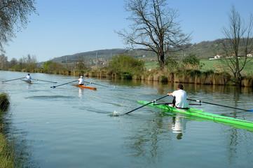 avironneurs sur le canal