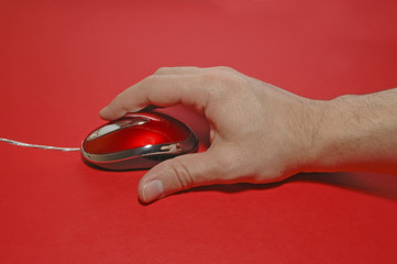 hand in top of mouse...