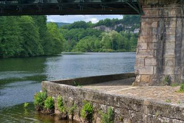 le pied du pont